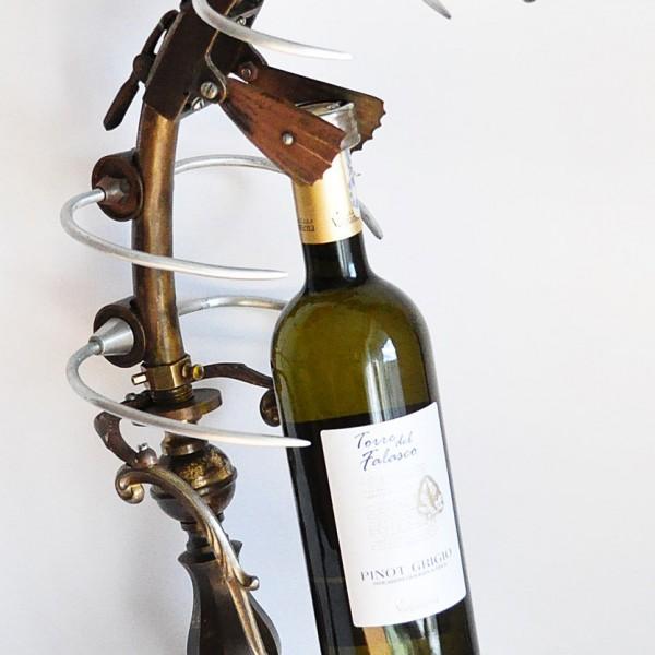 stovas vynui steampunk zuvis