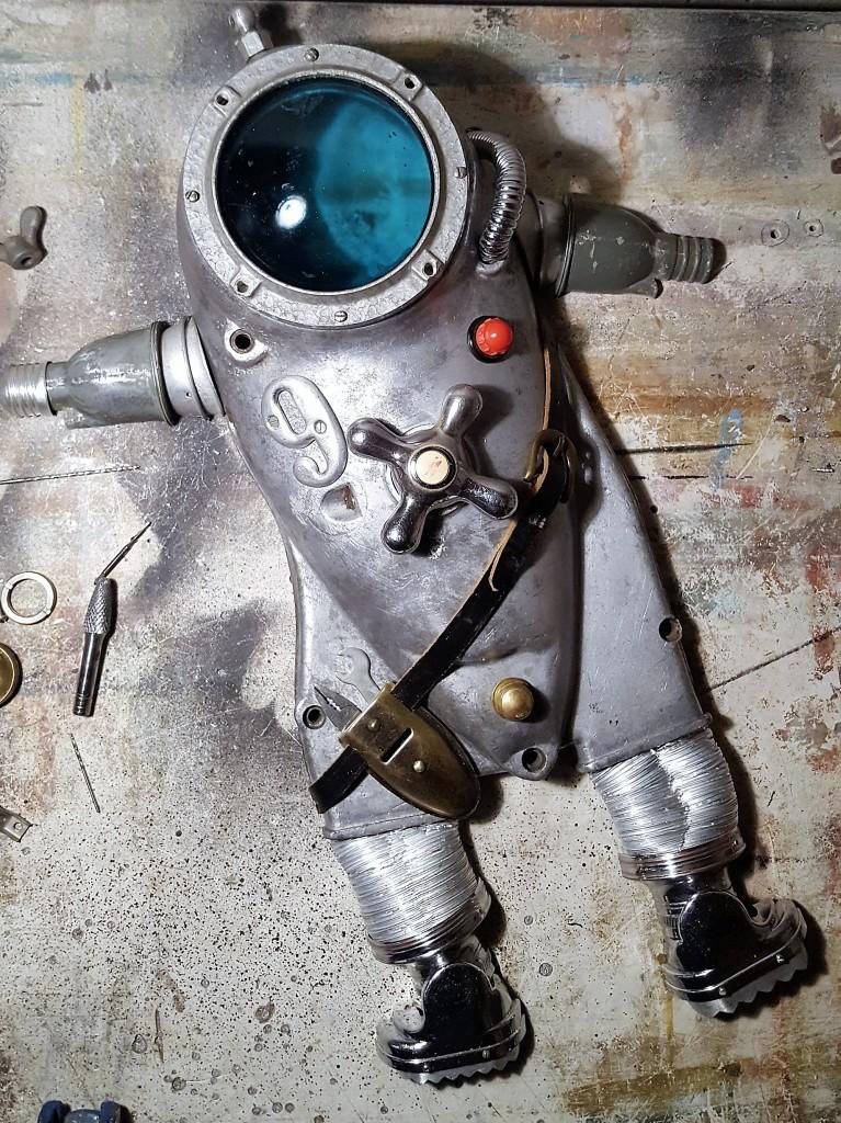 spaceman astronautas steampunk asambliazas artistartas