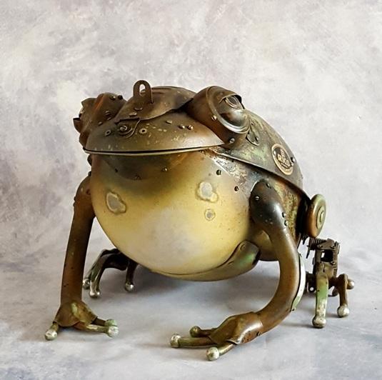 """metal frog ,, Rico"""""""